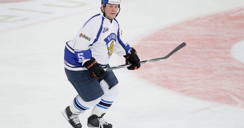 Timo Jutila voitti MM-kultaa 1995 pelaajana ja 2011 joukkueenjohtajana