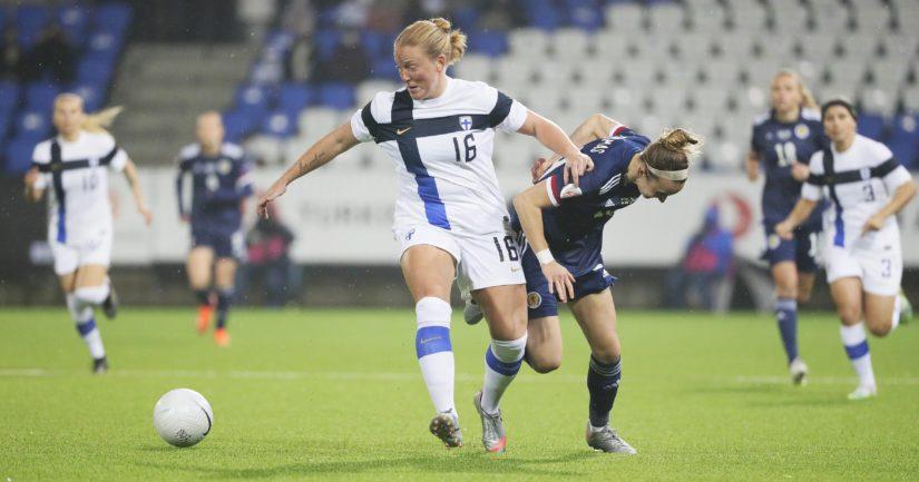 Suomi taistelee tiukasti paikasta 2022 pelattavaan jalkapallon naisten EM-turnaukseen