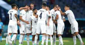 """Jalkapallon EM-turnaus käynnistyi Italian jyräyksellä – """"Pitää olla kärsivällinen"""""""