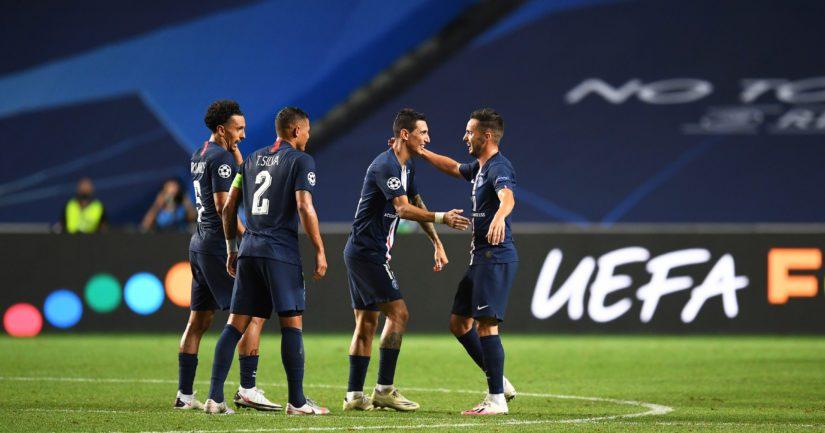 Paris Saint-Germain juhlii maalia