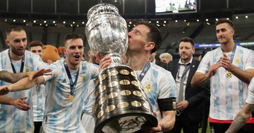 Lionel Messi voitti Argentiinan paidassa 2021 viimeinkin Etelä-Amerikan mestaruuden (