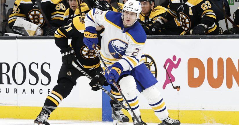Arttu Ruotsalainen kiekkoilee NHL:ssä Buffalo Sabresin joukkueessa