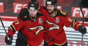 Evakkojoukkue voitti – kaksi suomalaispelaajaa juhlii KHL:n mestaruutta