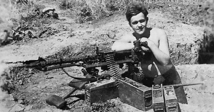 Nuori vapaaehtoinen Aarne Kähärä 17-vuotiaana Kaukasuksella.