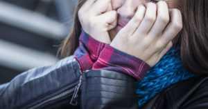 Henkinen väkivalta on yleisin lähisuhdeväkivallan muoto – yli 10 000 apua soittaneen puhelua selvitettiin