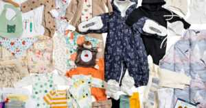 Uudessa äitiyspakkauksessa näkyvät nyt toiveet vastuullisuudesta – klassikkojen rinnalla useita uusia tuotteita