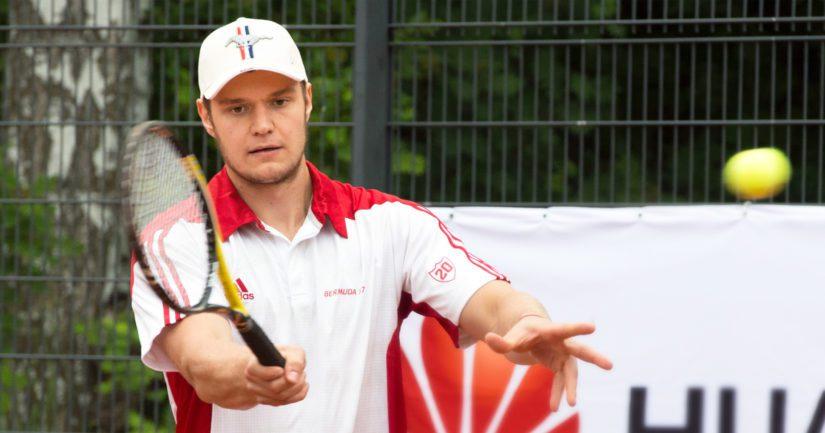 Kesällä Suomessa muun muassa jääkiekkoilijoiden Bermuda-tennisturnauksessa viihtynyt Alexander Barkov asuu talvikauden jälleen Floridassa.