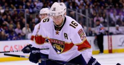 Aleksander Barkov on NHL:n tehokkain suomalainen – katso videolta jäätävä tippaus maaliin
