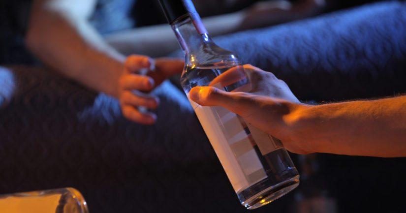 Alle 45-vuotiaita oli viime vuosina vähemmän kuin 20 prosenttia kaikista alkoholimyrkytyksen uhreista.