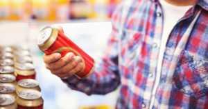 Alkoholilain muutos pienensi Alkon voittoja – oluet ja lonkerot maksavat silti lähes yhtä paljon marketeissa