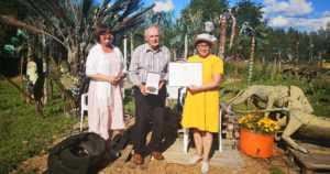 Alpon Savanni saa joka vuosi bussilasteittain vieraita – Santeri Alkio -mitali ITE-taiteilijalle