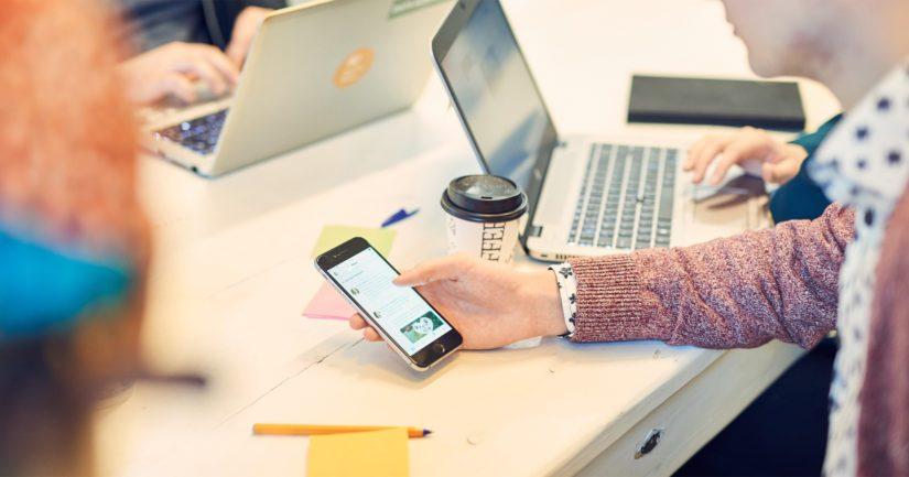 Testin tehneet kertoivat käyttävänsä puhelinta keskimäärin kuusi tuntia päivässä.