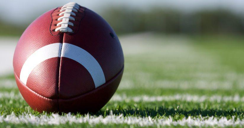 Amerikkalaisen jalkapallon muoto on soikea, jotta sitä voisi heittää ja kuljettaa helpommin.