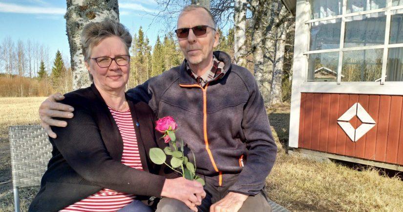 Suurperheen äiti Anja Impola vaikuttaa kotikunnassaan myös erinäisissä luottamustehtävissä. Hän on tällä hetkellä muun muassa Pyhäjoen kunnanvaltuuston ensimmäinen varapuheenjohtaja.