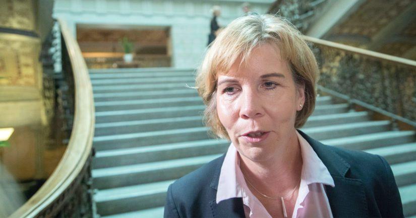 – On selvää, että tällaista ei koskaan pitäisi päästä tapahtumaan, toteaa oikeusministeri Anna-Maja Henriksson.