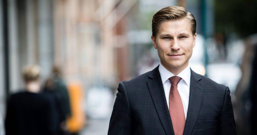 – Lapsia täytyy kaikin mahdollisin keinoin suojella väkivalta- ja seksuaalirikoksilta., sanoo oikeusministeri Antti Häkkänen.