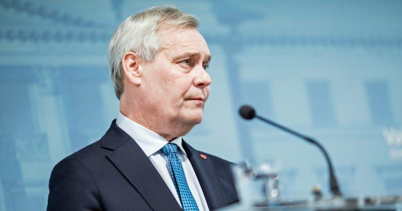 Antti Rinne kertoi jatkavansa SDP:n puheenjohtajana puoluekokoukseen asti ja olevansa sen jälkeenkin käytettävissä.