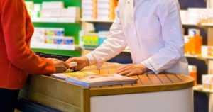 Kipu- ja kuumelääkkeiden myyntiä rajoitetaan – STM haluaa varmistaa riittävyyden