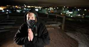 Julkaisi kantaaottavan rap-albumin – menetti nimensä monikansalliselle levy-yhtiölle