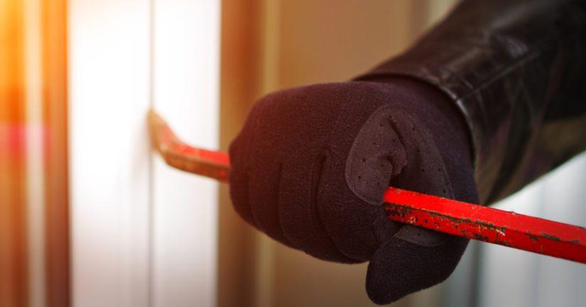 Kun varas on käynyt varastolla, asiasta tulee aina viipymättä tehdä rikosilmoitus.
