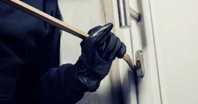 Kansanedustajan asuntoon murtautuneet saatiin kiinni – kaksi liettualaista miestä vangittu