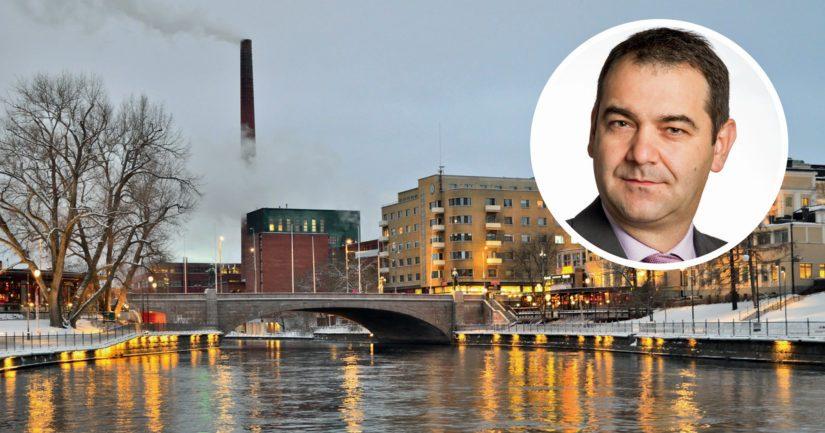 Tampereen ykkösdemari Atanas Aleksovski saattaa joutua maksumieheksi kummallisen tonttikaupan takia. Tampereen kaupunki etsii maksajaa 1,8 miljoona euron sopimussakolle.