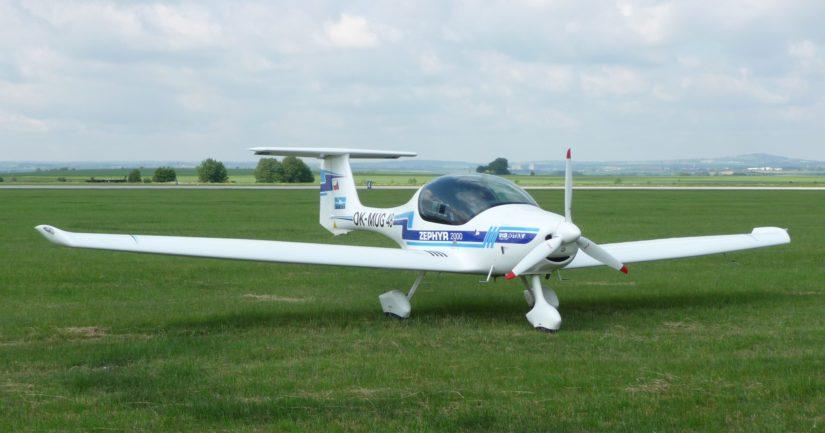 Pakkolaskun tehnyt ultrakevyt lentokone oli malliltaan Atec Zephyr.
