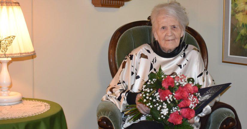 Aune-Leea Huotari toimi veripalvelussa koko jatkosodan ajan.