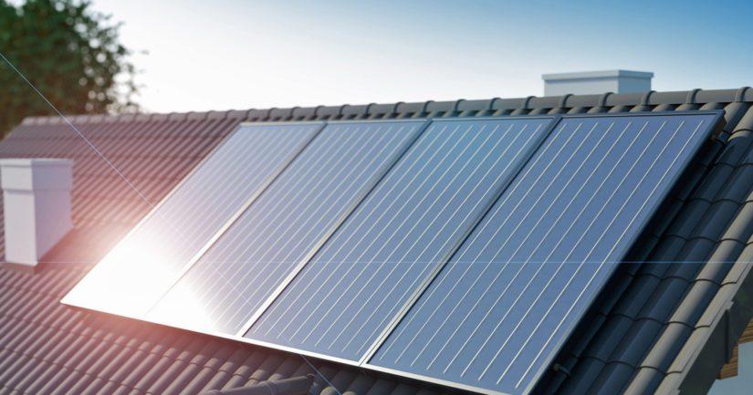 Aurinkopaneelien asennus sopii parhaiten kattoremontin yhteyteen.
