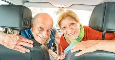 Auto on yhä useammissa yli 65-vuotiaiden talouksissa