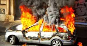 """Kymmeniä autoja poltettiin organisoiduissa iskuissa – """"Ruotsi on sietänyt tätä aivan liian kauan"""""""