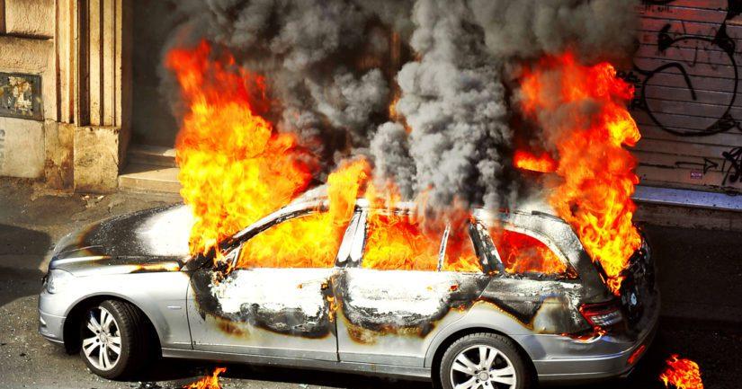 Autopalot ja ampumavälikohtaukset ovat tämän päivän todellisuutta Ruotsissa.