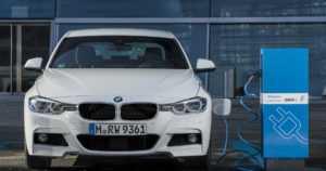 Kaikki BMW:n mallit sähköistyvät vuoteen 2020 mennessä