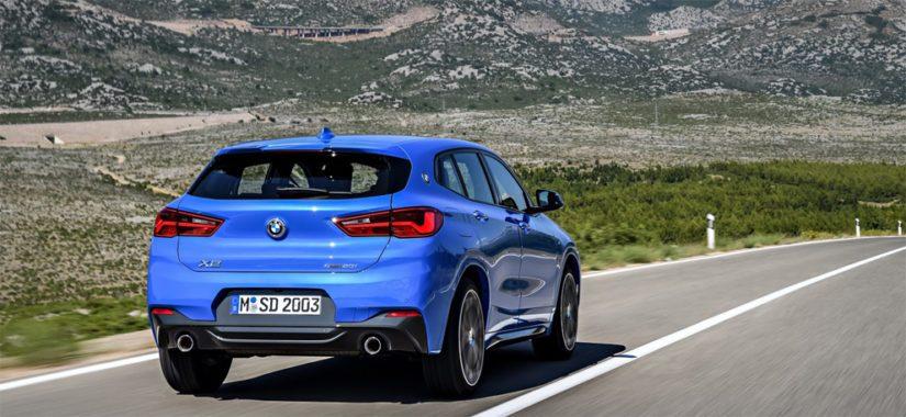 X2 on lyhyempi ja matalampi kuin perustana käytetty X1, ja urheilullisuutta korostetaan myös moottorivalikoimalla.