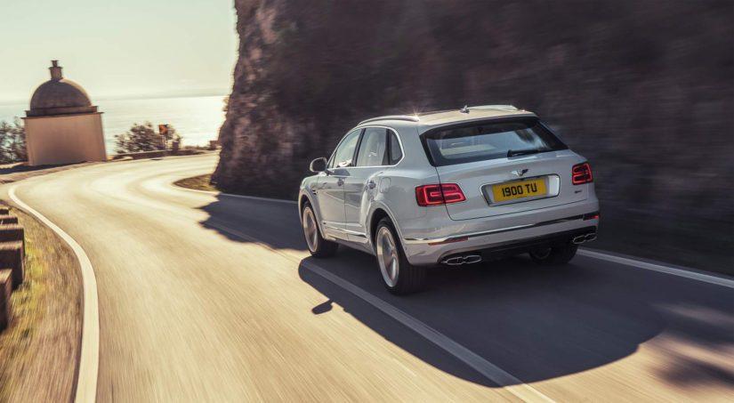 Bentley käyttää autoissaan monia manner-Euroopasta tuotuja osia, jotka kallistuvat kun punta heikkenee.