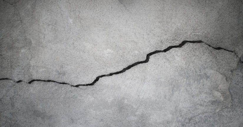 Juuri valettu rautatiesilta jouduttiin purkamaan – syyt betonin korkeisiin ilmamääriin selviämässä