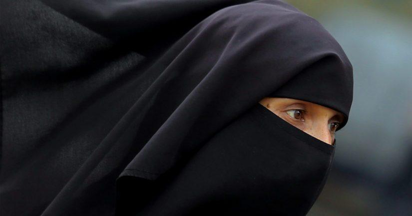 Poliisi ei voi velvoittaa Isis-vaimoja saapumaan kuultavaksi ilman nostettua esitutkintaa.