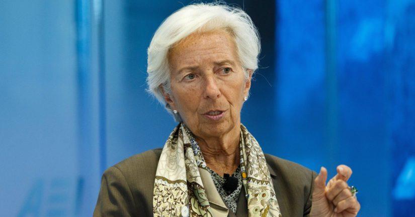 EKP:n pääjohtaja Christine Lagarde toteaa poikkeuksellisten aikojen edellyttävän poikkeuksellisia toimia.