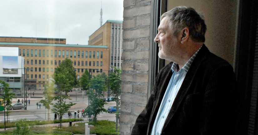 Claes Andersson toimi kansanedustajana kahdesti sekä kulttuuriministerinä Lipposen I hallituksessa.