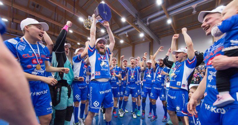 Classic vei kultamitalit voitoin 4–1 ja juhli neljättä perättäistä Salibandyliigan mestaruuttaan.