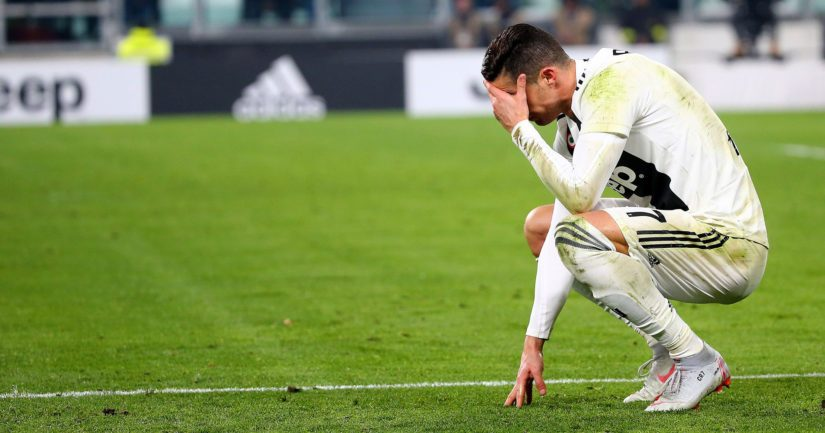 Cristiano Ronaldolla oli monia maalipaikkoja, jotka hän kuitenkin laukoi ohi maalista tai maalivahdin hyppysiin.