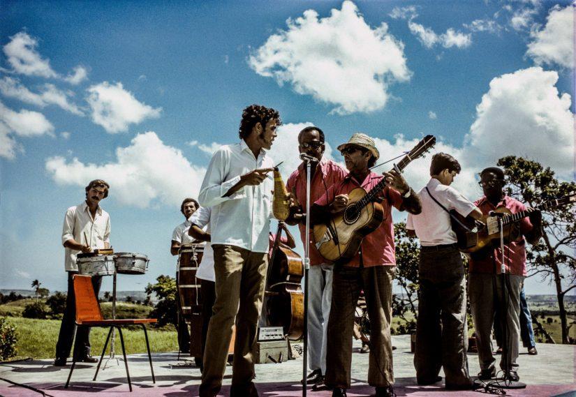 Risto Vuorimies tunnetaan myös kuubalaisen musiikin erikoisohjelmistaan, kuva Cuba vuodelta 1975.