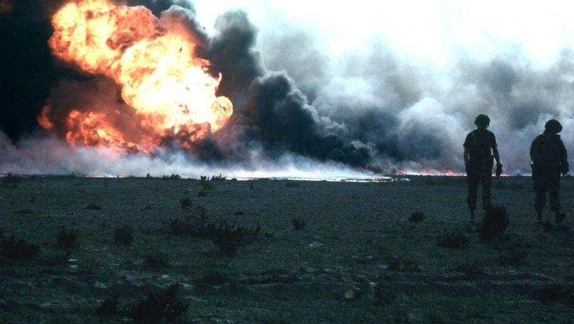 Palava öljylähde Kuwaitissa Persianlahden sodan aikana.