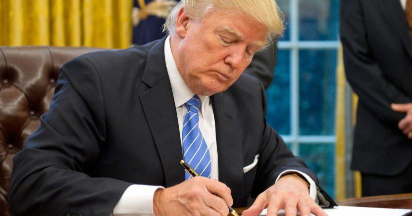 Yhdysvaltain presidentti Donald Trump on allekirjoittanut määräyksen matkustusrajoituksista Euroopasta.
