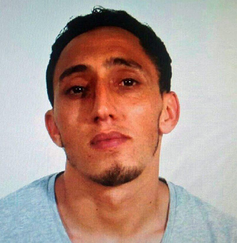 Poliisi on ilmoittanut marokkolaissyntyisen Driss Oukabirin olevan iskussa käytetyn pakettiauton vuokraaja, terroristijärjestö Isis on ottanut teon myös vastuulleen.