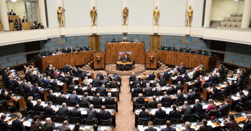 Eduskunta äänesti hallituksen luottamuksesta ja hallitus sai sen.