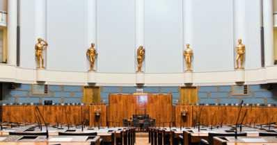 Pirullinen perustuslaki – sen tarkoitus on hallita hallitsijoita