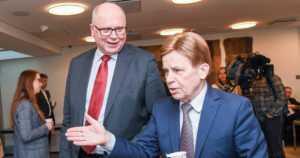 Kokoomuksesta eurovaalien suurin puolue – SDP:n Eero Heinäluomasta äänikuningas