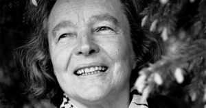 Aleksis Kiven palkinto Eeva Kilvelle – toivoa, lohtua ja iloa lukijoiden elämään vuosikymmenien ajan