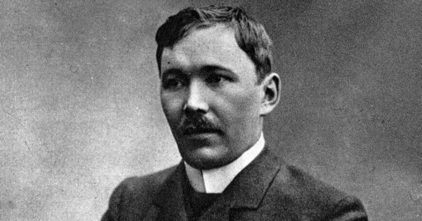Eino Leino riimitteli Nocturnen heinäkuussa 1903, ihastuttuaan tulevaan puolisoonsa.